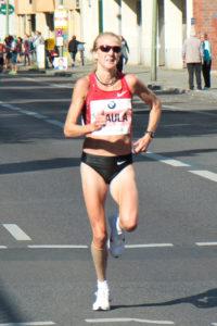 paula_radcliffe_at_the_berlin_marathon_2011